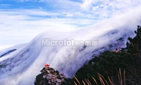 庐山瀑布云
