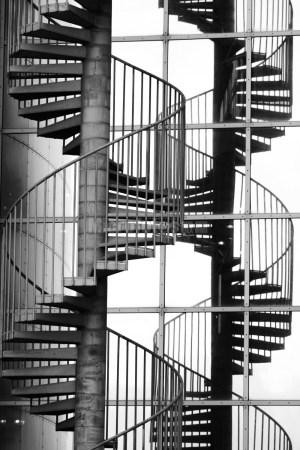 盘旋得铁梯