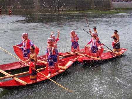 贵州惠水端午游江