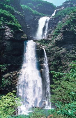 庐山三叠泉瀑布