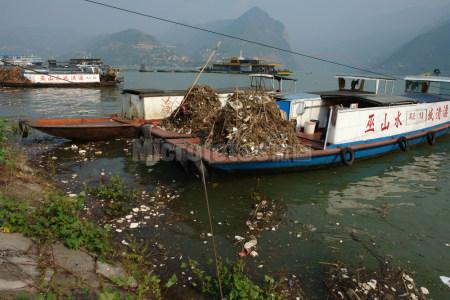 三峡水库清漂