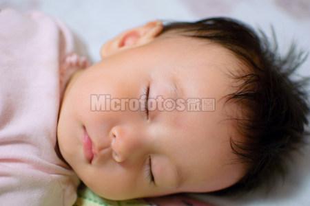 宝宝睡着了