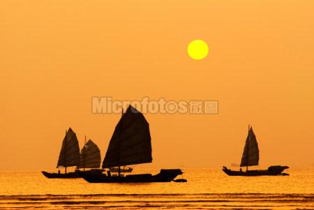 帆船-日落