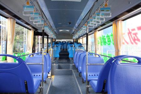公交车车厢
