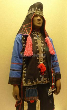 哈尼族女服