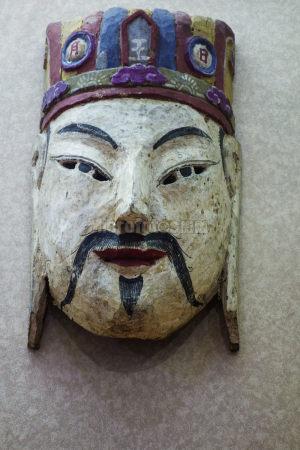 阳戏木制脸谱