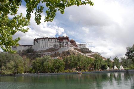 拉萨龙王潭公园