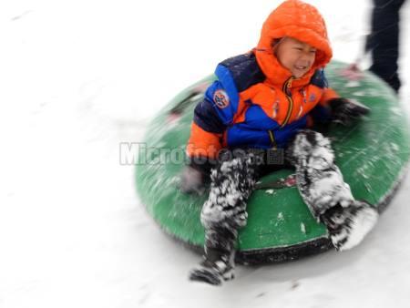 冬季打雪圈