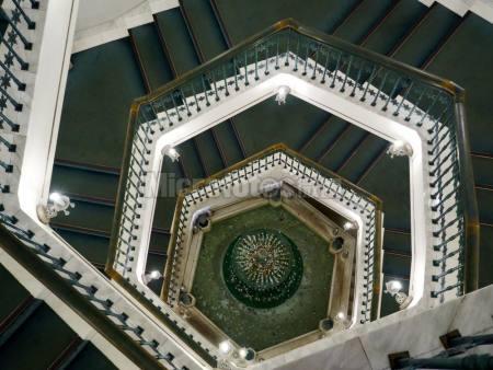 雪の美术馆旋转楼梯