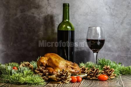 圣诞节的美食和红酒
